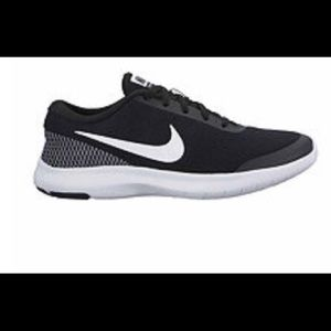 Nike solar tennis shoes size 9 1/2